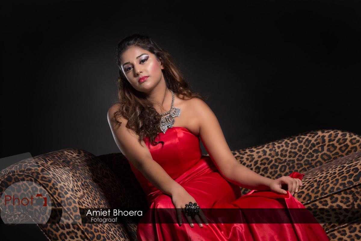 AmietBhoera-PhotoDesigns-hindoestaanse-fotograaf-bruidsfotograaf-studio-indian-18