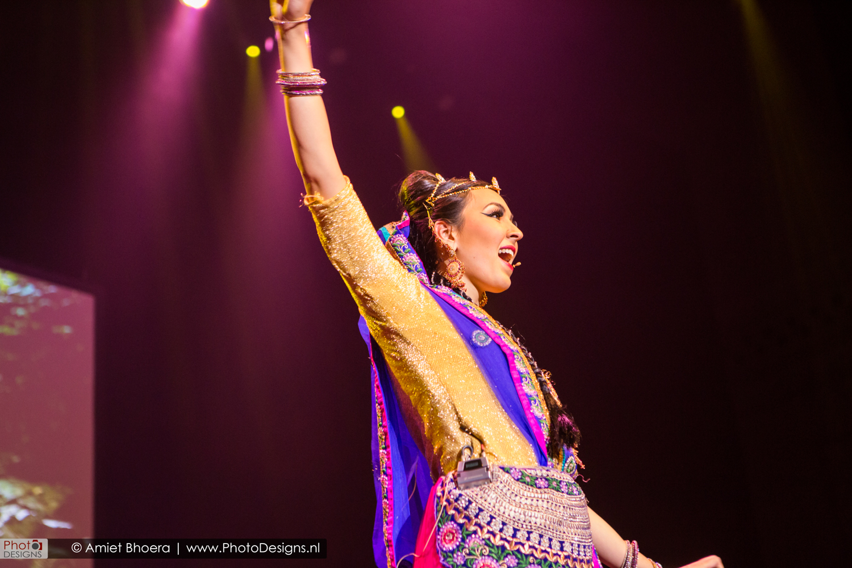 Holi-shiraj-hondoestaanse-feest-anton-philip-zaal-12