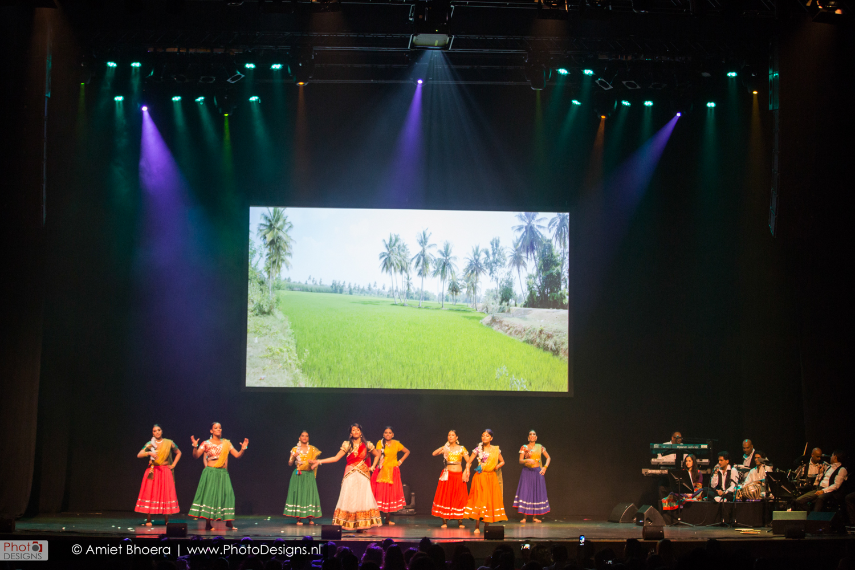 Holi-shiraj-hondoestaanse-feest-anton-philip-zaal-21