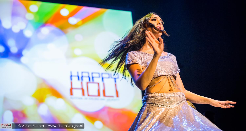 Holi-shiraj-hondoestaanse-feest-anton-philip-zaal-39