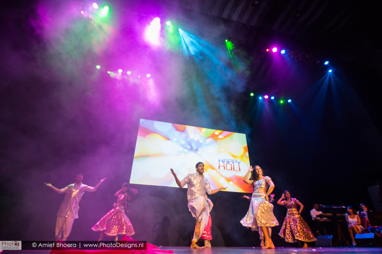 Holi-shiraj-hondoestaanse-feest-anton-philip-zaal-41