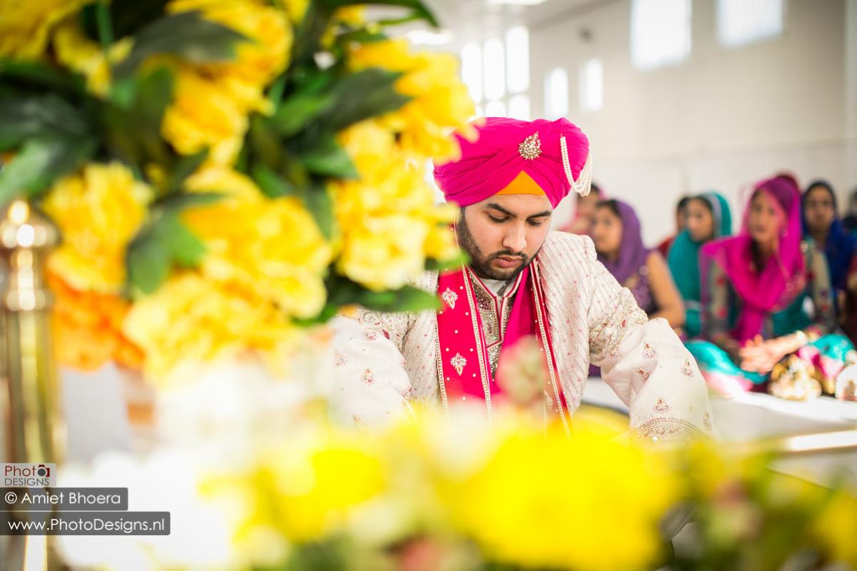 Karanjit-trouwt-met-Anjenie-volgens-de-Sikh-Huwelijks-in-Sri-Guru-Singh-Sabha-te-Den-Haag_0001