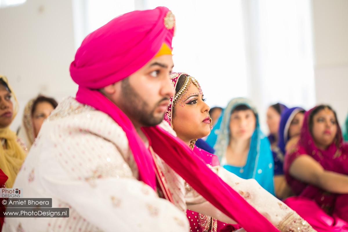 Karanjit-trouwt-met-Anjenie-volgens-de-Sikh-Huwelijks-in-Sri-Guru-Singh-Sabha-te-Den-Haag_0004