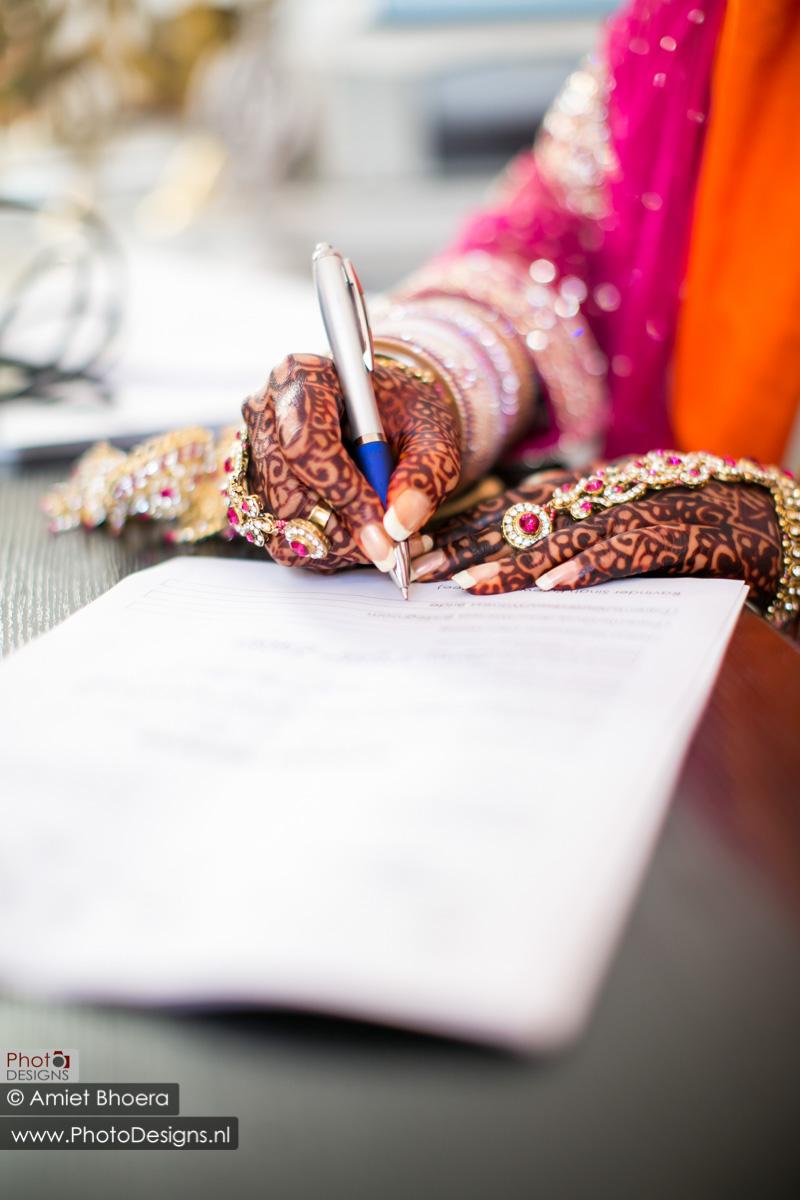 Karanjit-trouwt-met-Anjenie-volgens-de-Sikh-Huwelijks-in-Sri-Guru-Singh-Sabha-te-Den-Haag_0007
