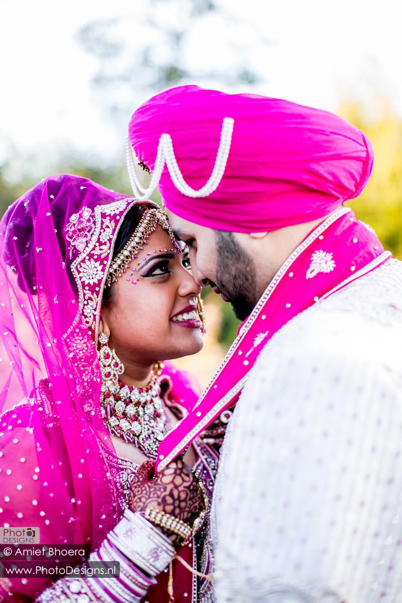 Karanjit-trouwt-met-Anjenie-volgens-de-Sikh-Huwelijks-in-Sri-Guru-Singh-Sabha-te-Den-Haag_0015