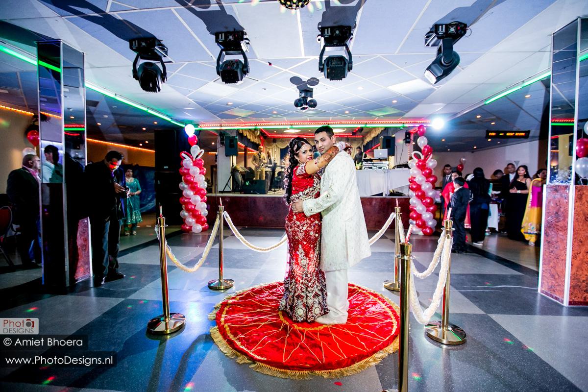Karanjit-trouwt-met-Anjenie-volgens-de-Sikh-Huwelijks-in-Sri-Guru-Singh-Sabha-te-Den-Haag_0017