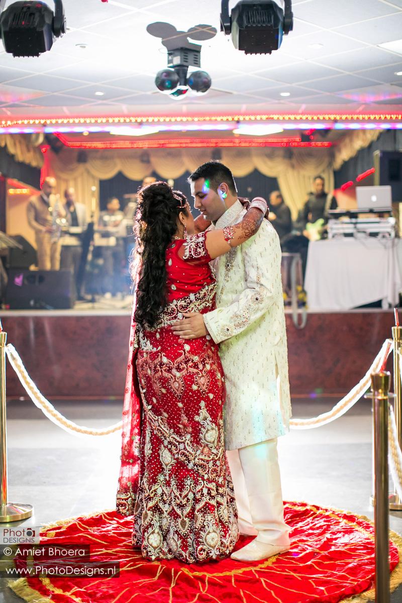 Karanjit-trouwt-met-Anjenie-volgens-de-Sikh-Huwelijks-in-Sri-Guru-Singh-Sabha-te-Den-Haag_0019